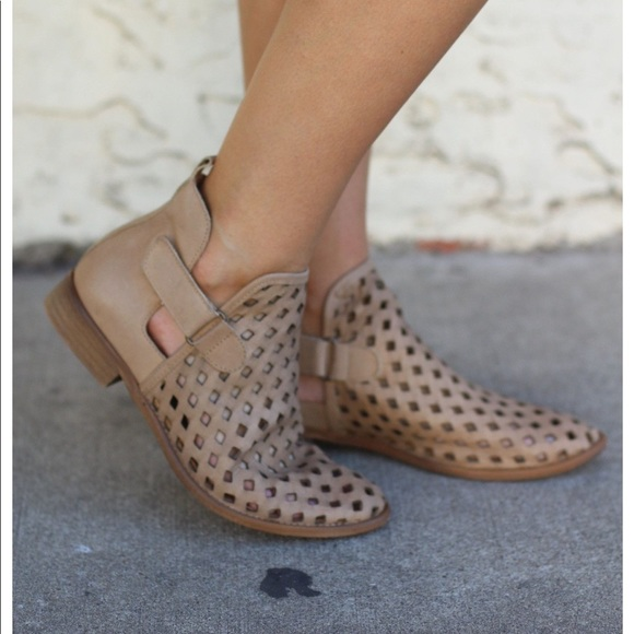 Musse Cloud Caila Ankle Boot | Poshmark